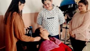 Bakıma muhtaç yaşlı ve hastaların saç bakımını öğrenciler yapacak