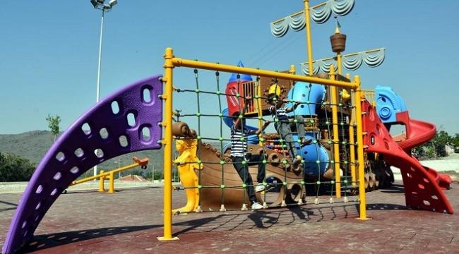 Aliağa'da çocuklara özel modern oyun parkları