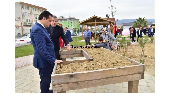 Bornova'da özel çocuklar için Terapi Bahçesi