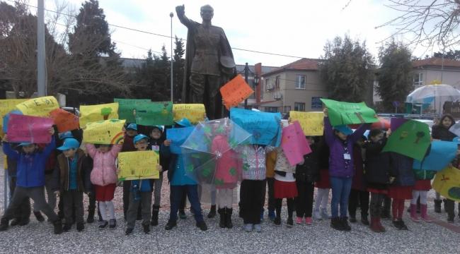 TED İzmir Koleji İklim İçin Küresel Okul Grevine Destek Oldu