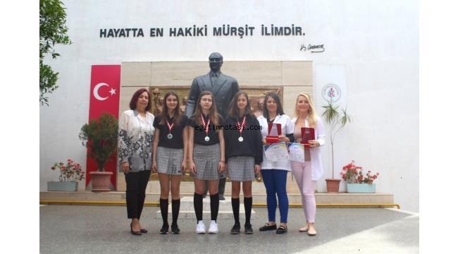 Çamlaraltı Koleji'nin İngilizce Ödül Gururu