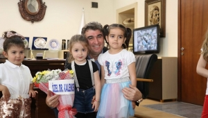 Kardeş Okul Öğrencilerinden Başkan Tosun'a Ziyaret