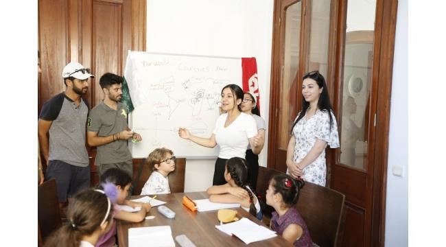 Dünya'nın İngilizce'sini Konak'ta öğreniyorlar