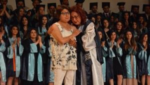 EÜ İletişim Fakültesi Mezuniyet Töreninde Gözyaşları Sel oldu