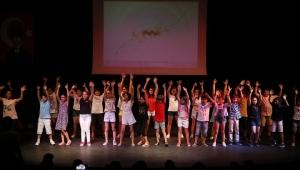 Konaklı Çocuklardan Gururlandıran Tablo