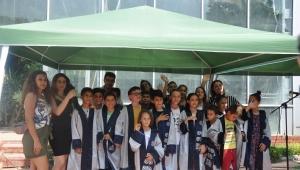 """Bornovalı çocuklar """"EÜ Yaz Okulu""""dan mezun oldu"""