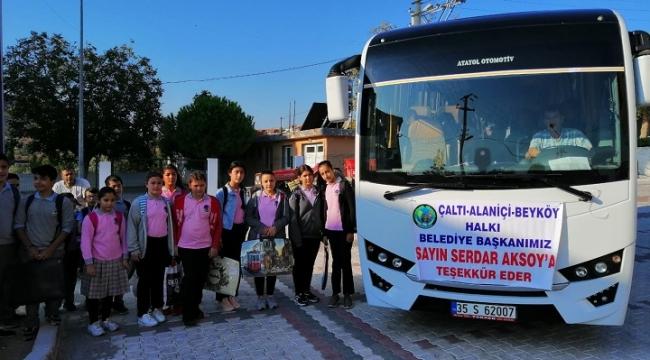 Başkan Serdar Aksoy çocukların yüzünü güldürdü