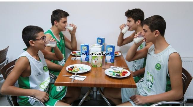 Okulda başarı için süt ve spor şart!