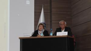 """""""Dünya Çeviri ve Çevirmenler Günü"""" konferansı"""