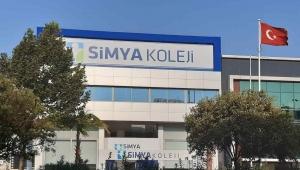 Simya Koleji İzmir, Öğrencilerini Hem Dünyaya Hem Sınavlara Hazırlıyor
