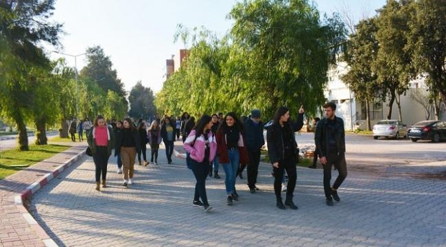 Öğrencilerden Ege Üniversitesine Tam Not