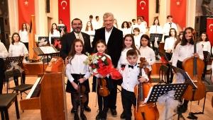 Çocuk Senfoni Huzurevi'nde!
