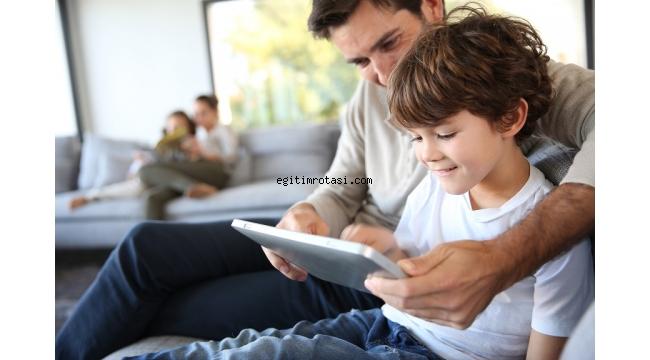 Ebeveyn Öğretmen Rolüne Girmemeli!