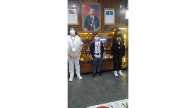 Öğretmen Latife Demirtaş'tan 23 Nisan için online bilgi yarışması sonuçlandı
