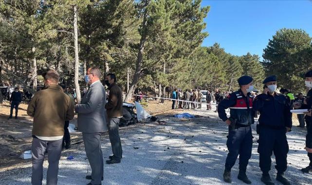 Afyonkarahisar'da öğrenci servisinin devrilmesi sonucu 5 öğrenci hayatını kaybetti
