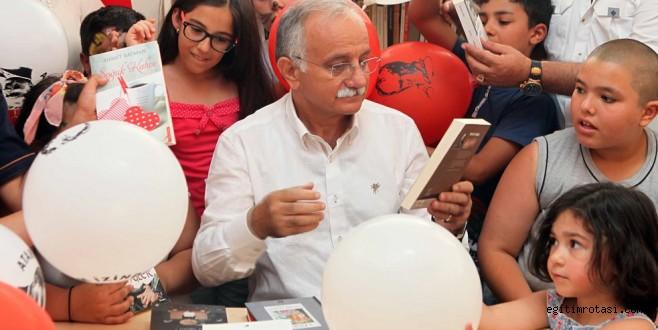 Bayraklı'da 14. kütüphane kapılarını açtı