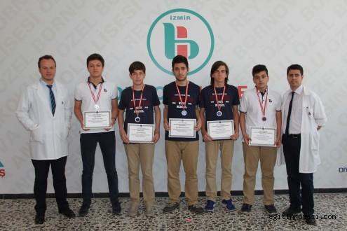 Bornova Kolejinin Matematik Başarısı İzmir Sınırlarını Aştı