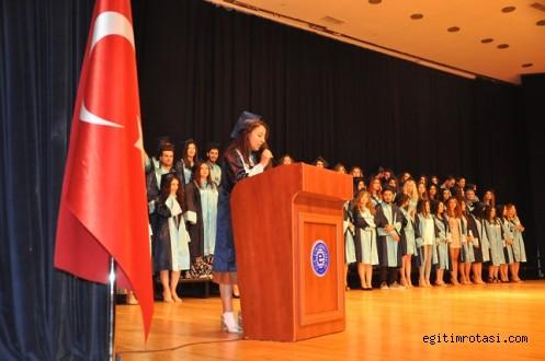 Ege Üniversitesi sosyologlarını  mesleğe uğurladı