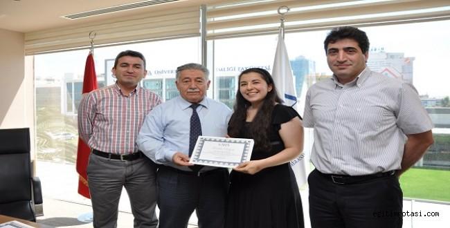 İngilizce Öyküsü İle Türkiye Birincisi
