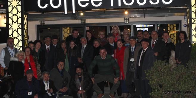 Kıbatek İzmir'de Türk Şair Ve Yazarları Ağırladı