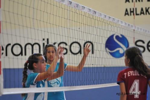 Okullar Arası Mini Voleybol Turnuvası Başlıyor…