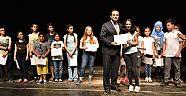 Üç bin öğrenci sertifikasını aldı